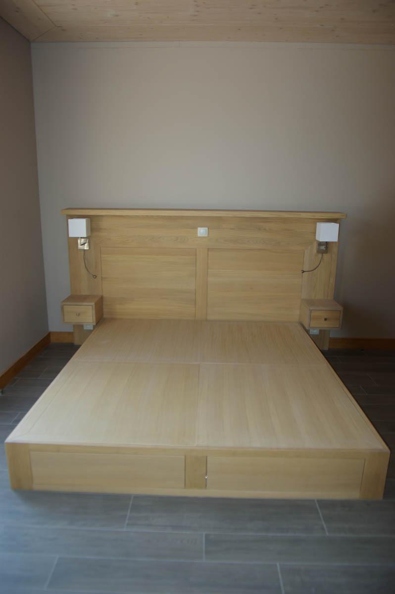 Lit sur mesure esprit japonais en ch ne massif senlis 60 atelier de deco - Tete de lit en chene massif ...